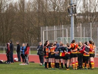 Die Damen des TSV 1846 Nürnberg und des Würzburger RK nach ihrem aufreibenden Spiel um Platz 3