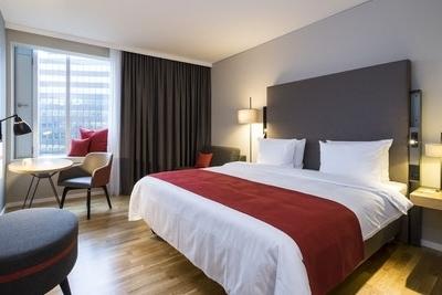 Die Akteure der 7er-DM finden in den modernen Zimmern des Holiday Insn Hamburg - City Nord erholsamen Schlaf Foto: Holiday Inn