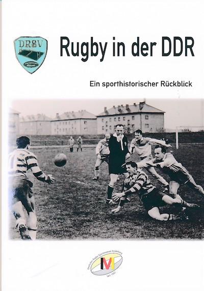 Der Buchtitel mit einer Spielszene aus DDR-Zeiten.