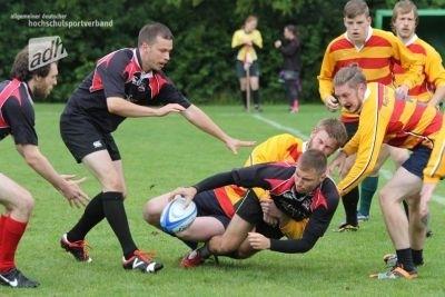 Die Spieler und Spielrinnen boten den Zuschauern auch dieses Jahr wieder rasante Rugby-Action bei der DHM und den adh-Open in Göttingen (c) adh