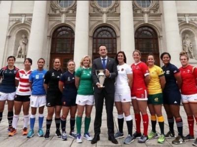 Gruppenbild mit Irlands Taioseach - die Kapitänninen der WM-Teams. Foto (c) World Rugby Instagram