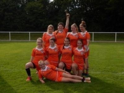RGH-Damen gewinnen 2. Finalturnier um den DRV-Pokal  Strahlende Siegerinnen: Mit dem Sieg im 2. Finalturnier sicherten sich die Damen der RG Heidelberg noch den Vize-Titel im DRV-Pokal im 7er-Rugby