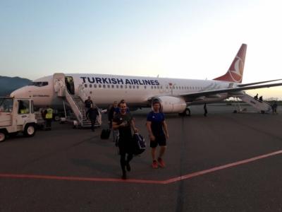 Der HRK ist überraschenderweise mit Sean Armstrong an Bord nach 13 Stunden Anreise am heutigen Abend in Batumi gelandet.