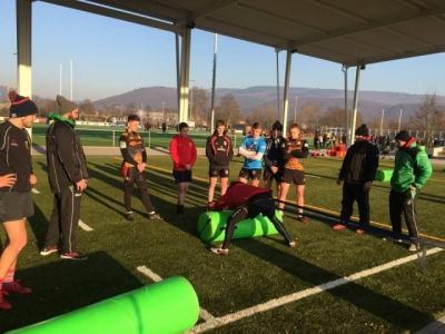 Die U18-Jungs beim Training unter der Anleitung von WRA-Trainern