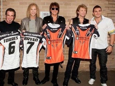 Bon Jovi mit Rugby League Star Robbie Farah