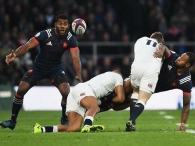 Englands Schwachstelle: Mit zahlreichen Offloads gelang es Frankreich immer wieder wertvolle Meter zu machen. Foto (c) FFR Instagram