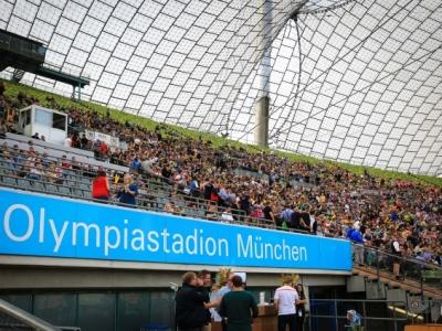 Rugby übernimmt das Olympiastadion und die Stimmung war überragend. Foto (c) Keil