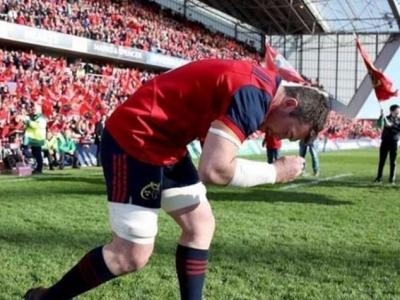 Für Munster-Kapitän O\'Mahoney war sein verstorbener Trainer Foley sein Idol. Seit er Foley eigenhändig zu Grabe getragen hat, spielt der Flanker die wohl beste Saison seiner Karriere. Foto (c) Munster Instagram
